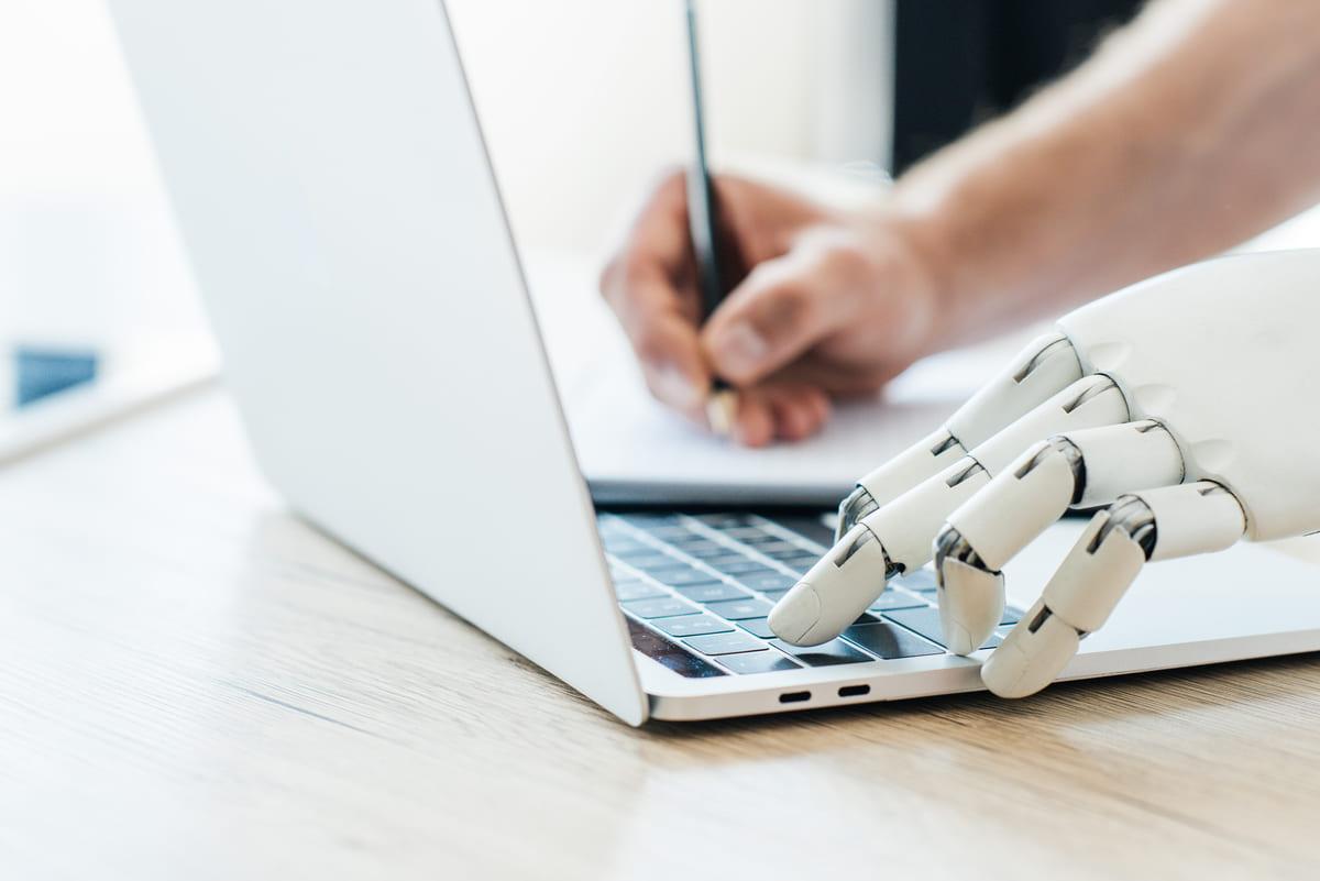 Copywriting AI bot arm